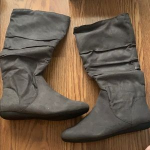 Brand new in box! Rampage boots!